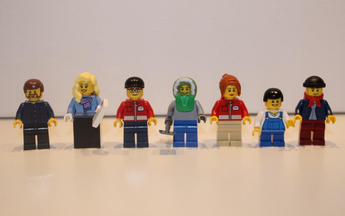 LEGO 10222 Winter Postkantoor minifiguren