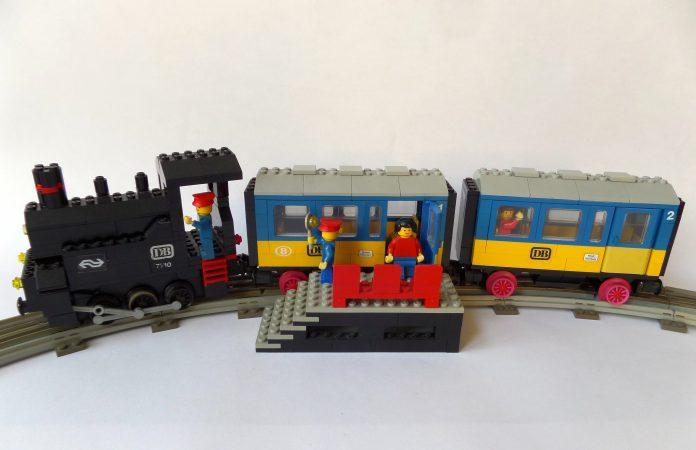 LEGO 7710 Push-Along Train
