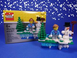 LEGO 853663 Iconic Holiday Magnet