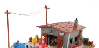 Antique Gas Station en Barn Find