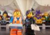Vliegtuig veiligheidsinstructies met LEGO