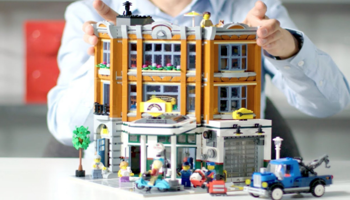 LEGO Creator Expert Corner Garage Designer Video