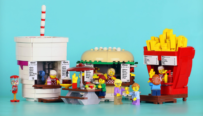 LEGO Ideas Food Stand Diners