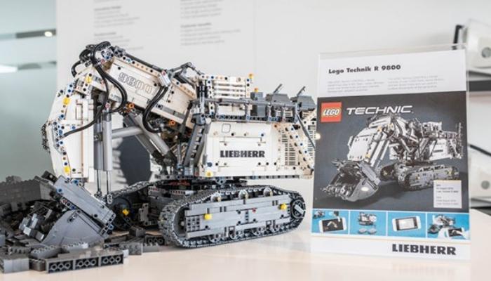 LEGO-Technic-42100-Liebherr-R9800-onthul