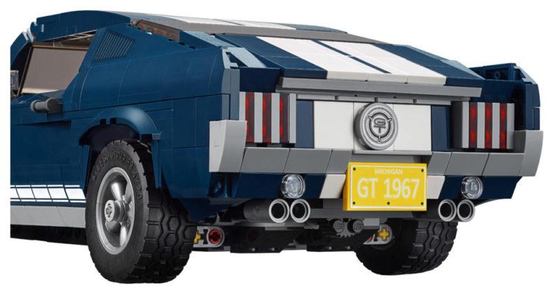 LEGO 10265 back