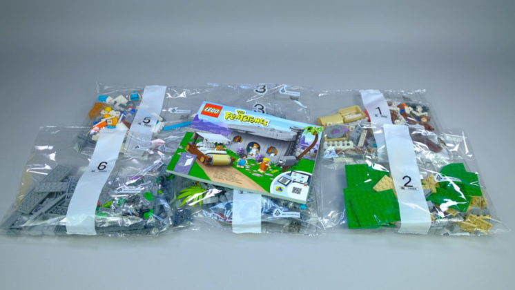 LEGO Ideas 21316 The Flintstones - contents