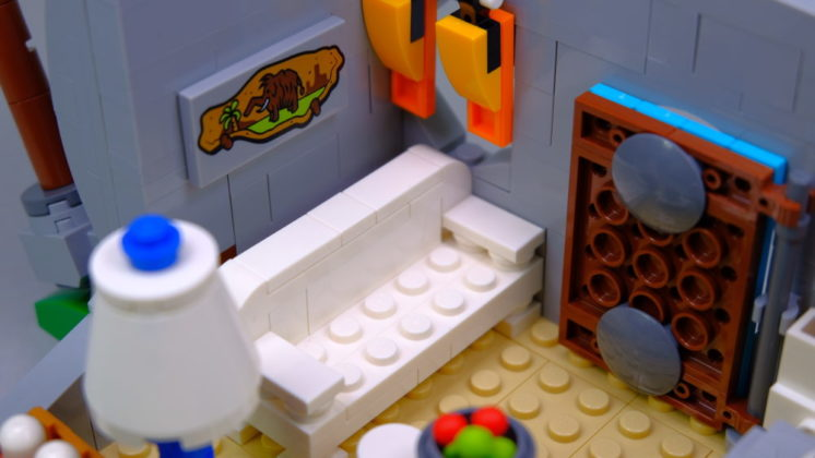 LEGO Ideas 21316 The Flintstones - couch