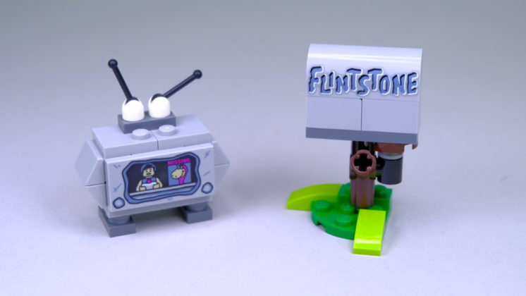 LEGO Ideas 21316 The Flintstones - tv & mailbox