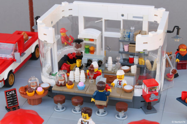LEGO Coffee Stand Andy's Cafe - roofless