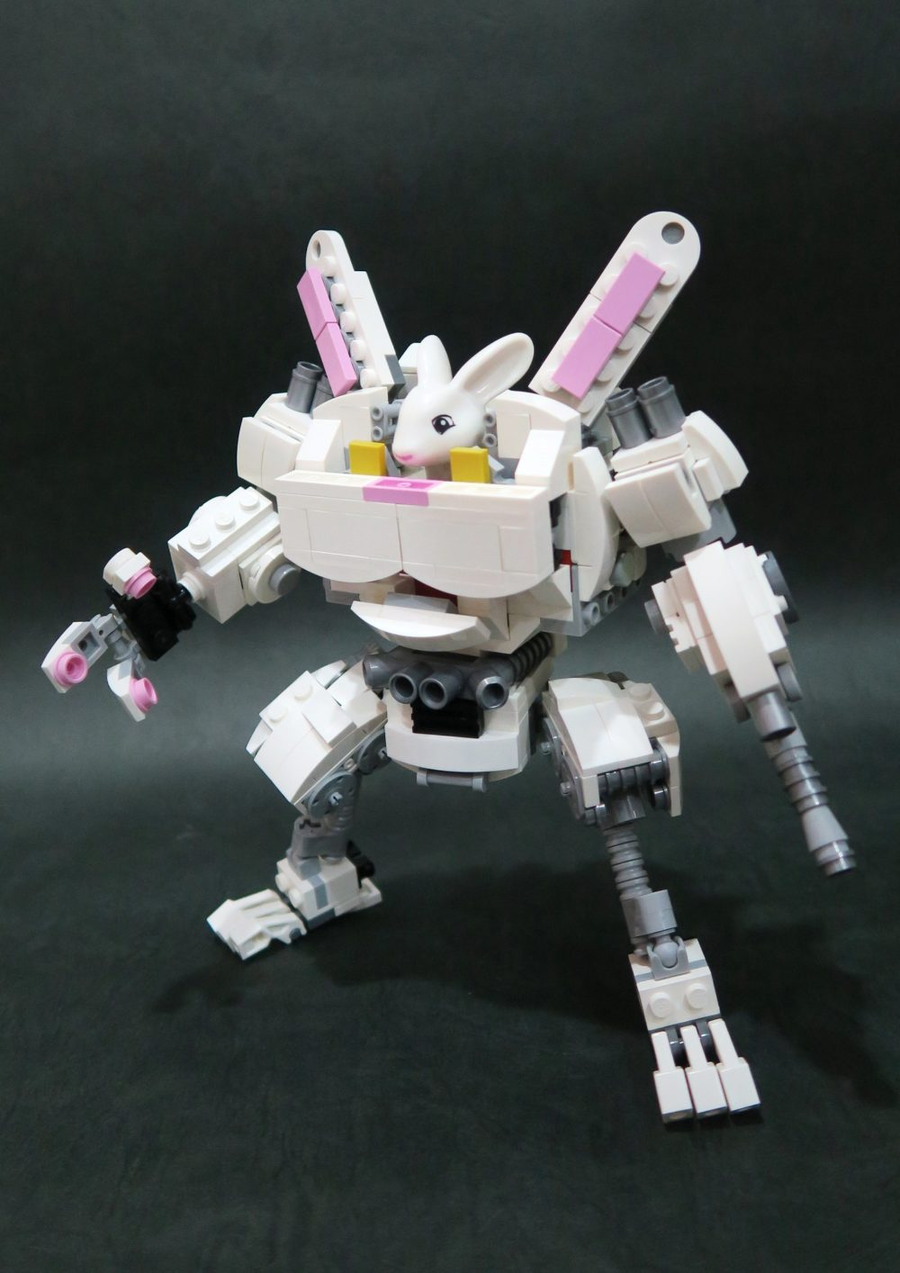 Joe Chan - Lego x Duplo Rabbit Mecha