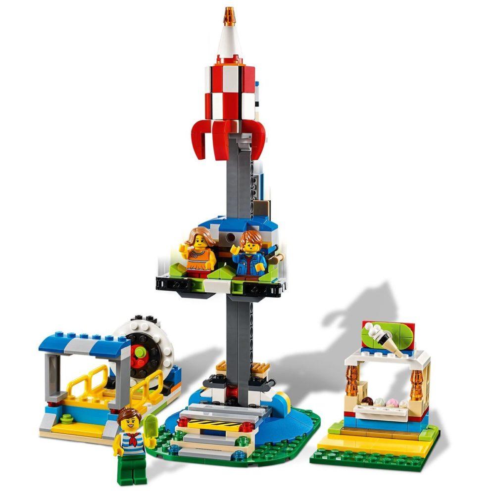 LEGO-Creator-31095-Carousel-2.jpg