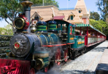 LEGO Disneyland Train op komst_