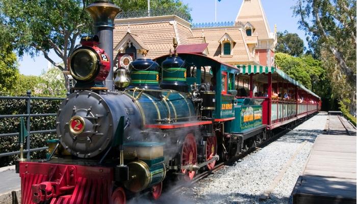 Geruchtenmolen] LEGO Disneyland Train op komst