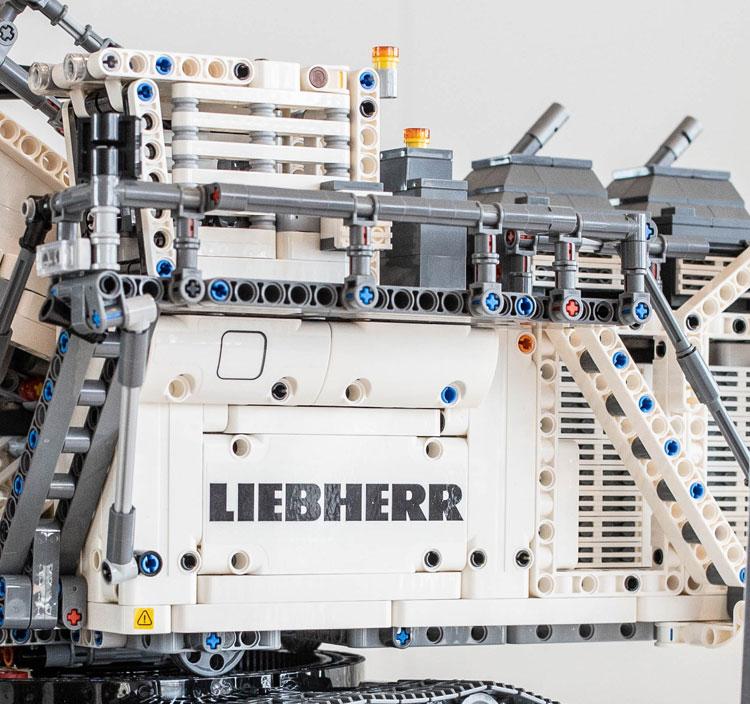 42100 Liebherr R 9800