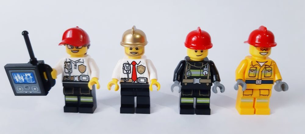 LEGO City 60215 Minifigures front