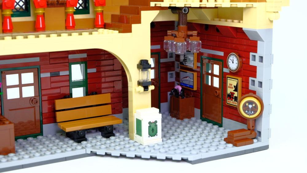 LEGO 71044 Station achterkant