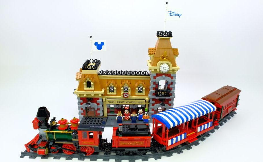 LEGO 71044 Disney Train and Station (51)