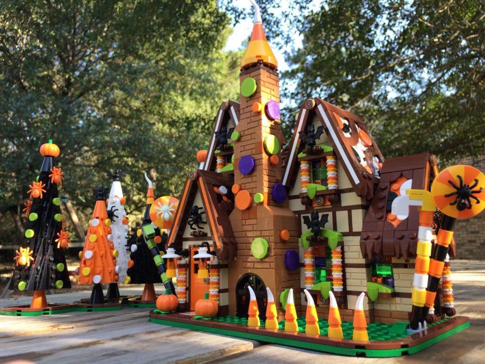 LEGO Halloween Gingerbread House MOC