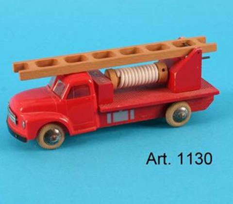 Model 1130 frLEGO 1959_wood and plastic toy